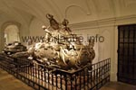 Only in the partly opulently arranged sarcophagus, 12 Emperors and 17 Empresses are entombed